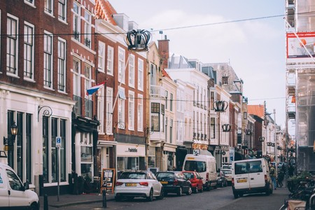 Ámsterdam prohíbe los alquileres vacacionales en el centro: uno de cada 15 hogares ya se ofrecían en plataformas como AirBnB