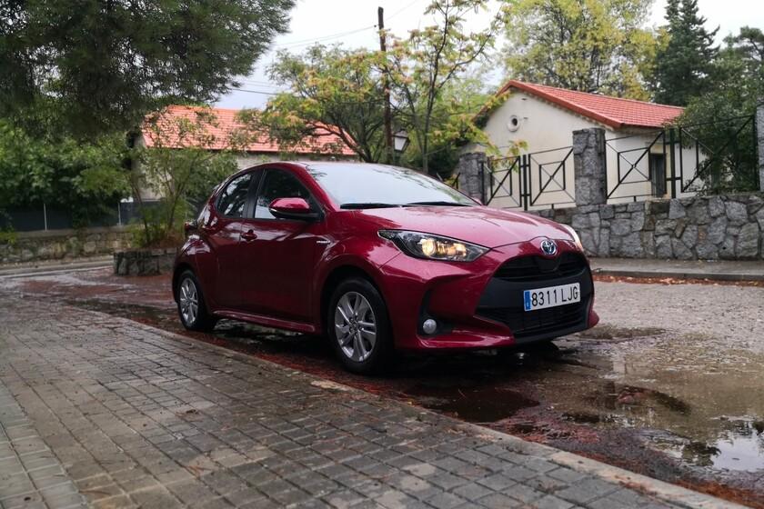 Probamos el nuevo Toyota Yaris Electric Hybrid y descubrimos un giro radical respecto a la versión anterior