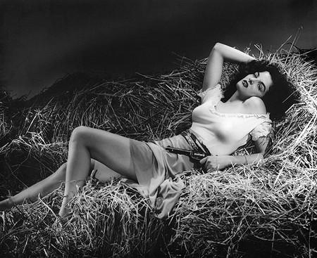Jane Russell El Forajido Femme Fatale En El Cine Feminista
