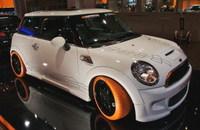 El Mini blanco y naranja de Hamann en el Essen Motor Show
