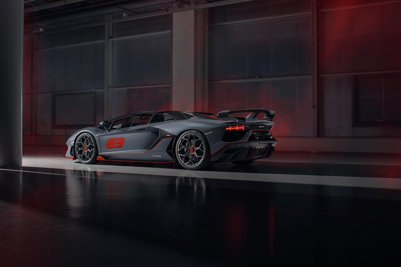 Foto de Lamborghini Aventador SVJ Roadster 63 y Huracán EVO GT (4/34)