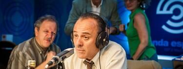 'Reyes de la noche': la edad de oro del periodismo deportivo en una comedia de Movistar que también funciona cuando se pone seria