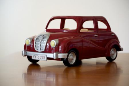 Los coches rojos no son más peligrosos