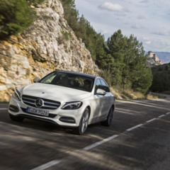 mercedes-c-220-bt-avantgarde-diamantweiss