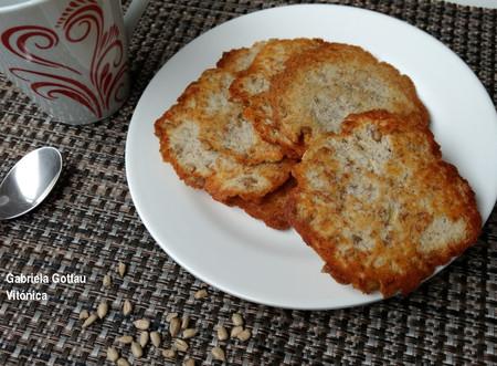 Galletas de plátano y coco con pipas de girasol. Receta saludable sin harinas ni azúcar