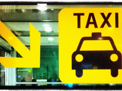 #TAXIvsTTIP: Podemos hace suya la bandera del taxi frente a Uber, y el resultado es curiosísimo