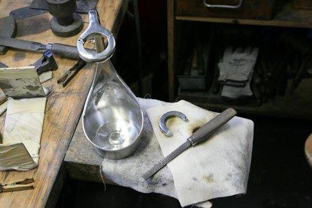 Cómo fabrican a mano L'Aiguière Grand Siècle de Laurent-Perrier, champagne de lujo