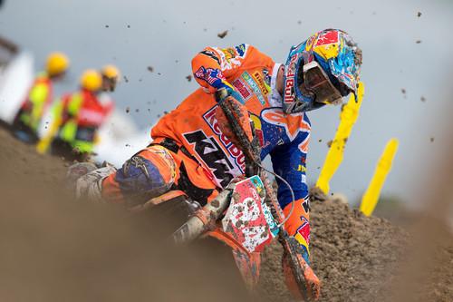 Jeffrey Herlings corre lesionado y gana el MXGP de Indonesia; Jorge Prado se cerca al liderato de MX2