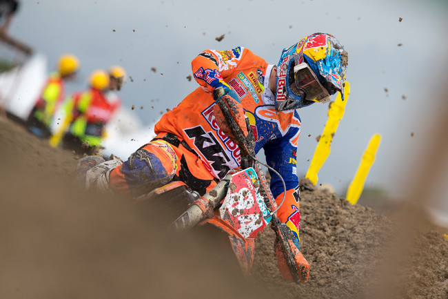 Jeffrey Herlins corre lesionado y gana el MXGP de Indonesia; Jorge Prado se cerca al liderato de MX2