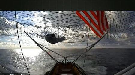 SpaceX consigue recuperar por primera vez ambas partes del carenado del Falcon 9 usando barcos con enormes redes