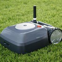 """Llegó el """"Roomba para el jardín"""": iRobot nos presenta a 'Terra', su primer robot autónomo para cortar el césped"""