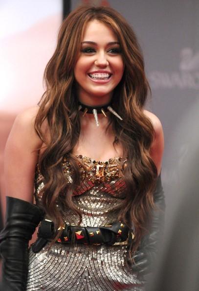 Foto de Miley Cyrus y Kim Cattrall en Sexo en Nueva York 2: looks de la pesadilla convertida en realidad (5/9)