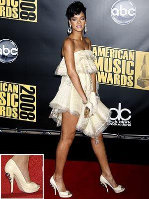 Los zapatos más extravagantes de las celebrities durante 2008 (parte II)