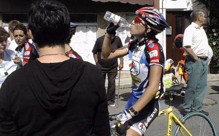 ciclista agua