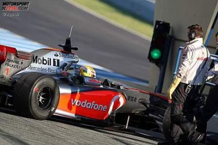 Primer pique del año de Hamilton con Alonso