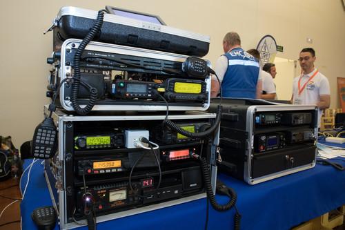 Ser radioaficionado/a en 2019: conversación, nostalgia y ganas de conquistar el mundo