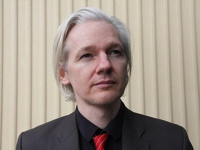 """Un """"actor estatal no identificado"""" habría cortado el acceso a Internet a Assange"""