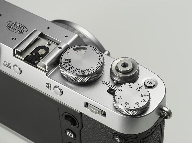 X100f Silver Image01