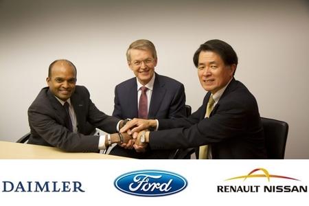 Foto del acuerdo Ford, Daimler y Renault-Nissan