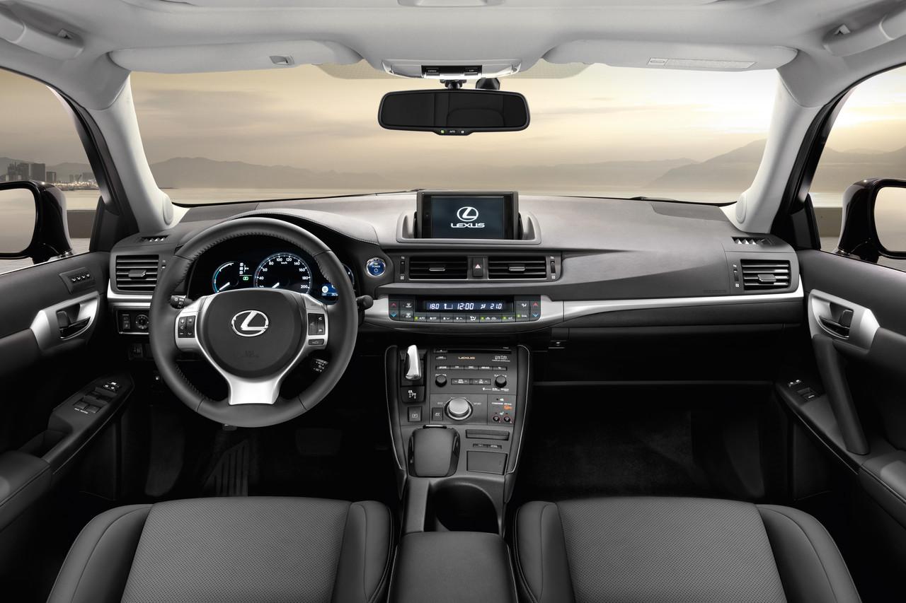 Foto de Lexus CT 200h (79/164)