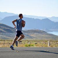 Ofertas de Amazon en ropa de running para hombre y mujer en marcas como Nike, Adidas o Puma