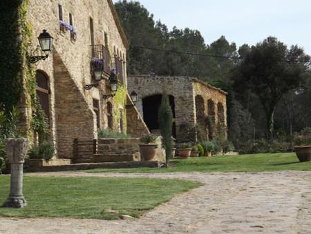 Villa Ana, el encanto de vivir en una masía catalana del s. XVII. Baix Empordà, Girona