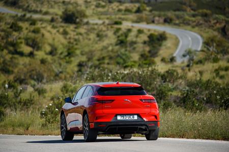 Jaguar I-PACE First Edition trasera dinámica