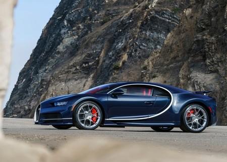 Bugatti Chiron 2017 1280 01