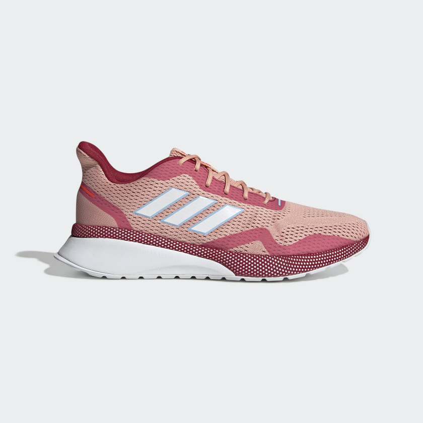 Zapatilla rosa de tela y plataforma