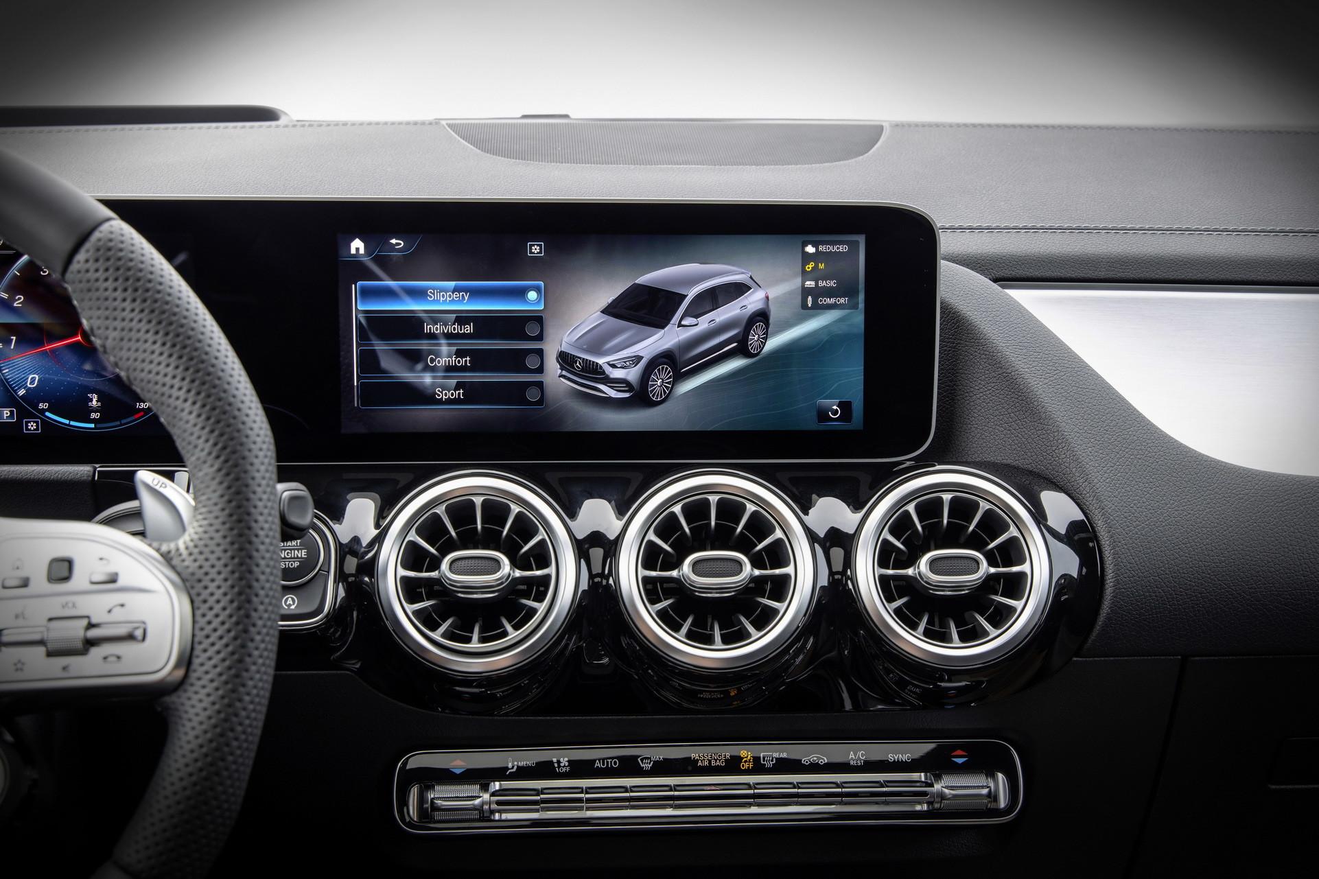 Foto de Mercedes-Benz GLA 2021 (96/103)