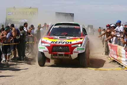 Mitsubishi anuncia su adiós al Dakar
