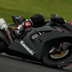 Foto 5 de 8 de la galería primeras-fotos-de-la-kawasaki-ninja-zx-10r-preparate en Motorpasion Moto