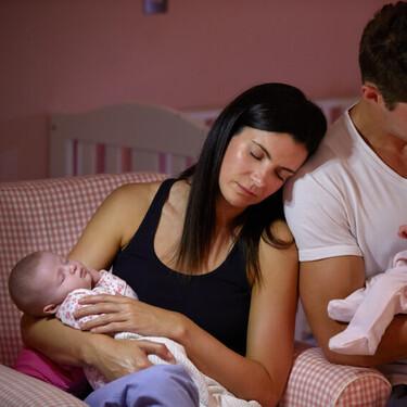 Por favor, no hables de lo bien que duerme tu hijo delante de unos padres recientes