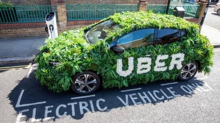 Los clientes de Uber en Londres financiarán la electrificación de los coches de la compañía