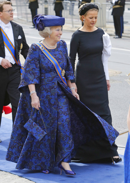Beatriz Holanda rey coronación