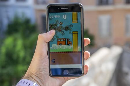 'Flappy Royale' es un Battle Royale online inspirado 'Flappy Bird' con 100 jugadores, muchas tuberías y mucha desesperación