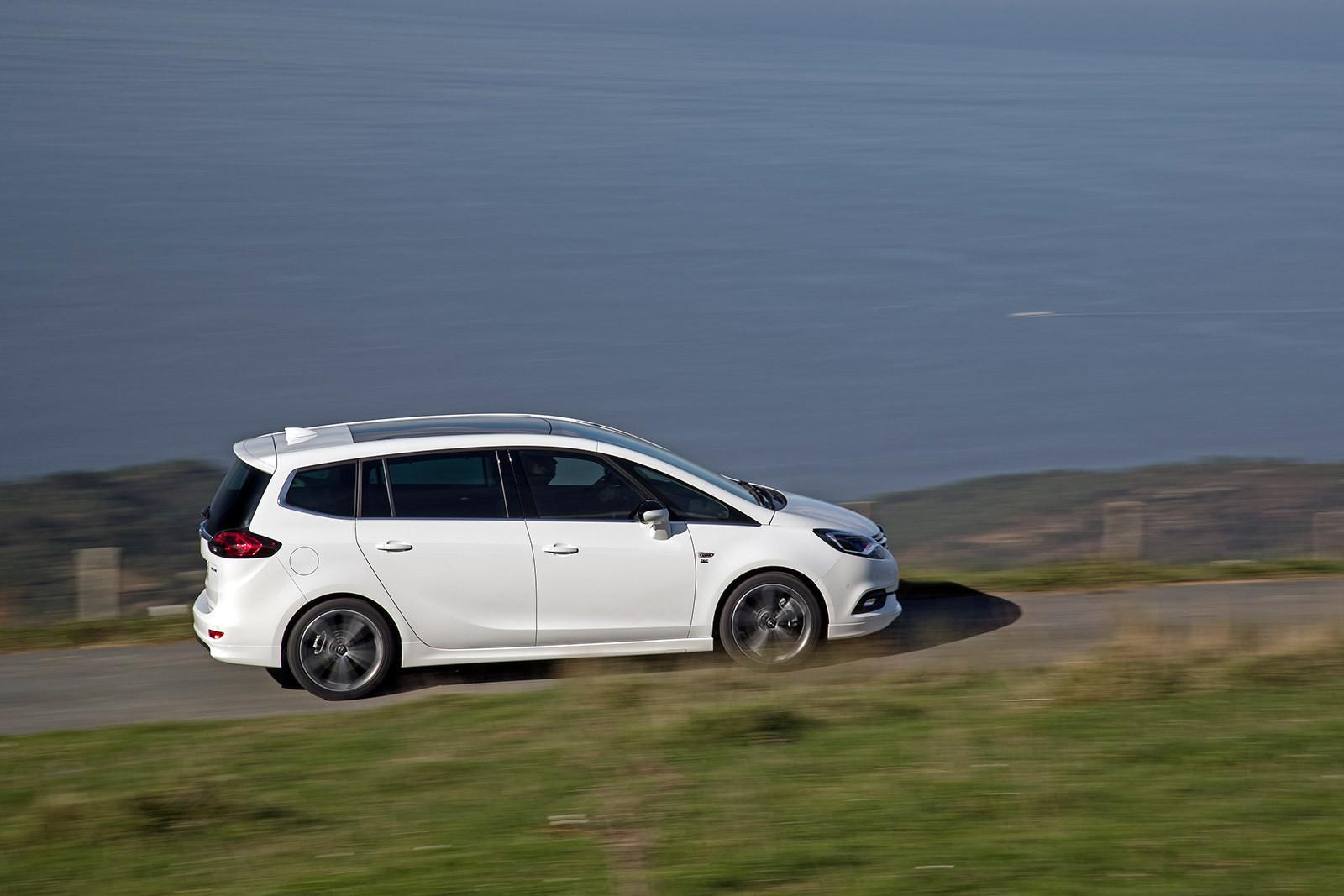 Foto de Opel Zafira 2017 (9/16)