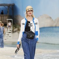 Este es el traje de baño de Chanel que cuesta casi 1.000 euros y que se convertirá en el más visto en redes sociales