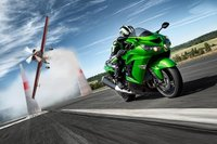 Kawasaki ZZR1400R Vs Suzuki Hayabusa ¿Quién ganará?