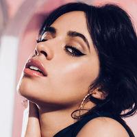 Camila Cabello también lanzará su propia colección de maquillaje con L'Oréal con la que ya filpamos