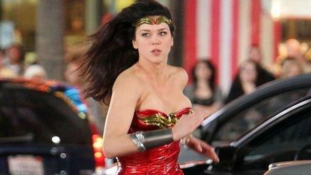 El piloto de 'Wonder Woman' hace aguas por todas partes