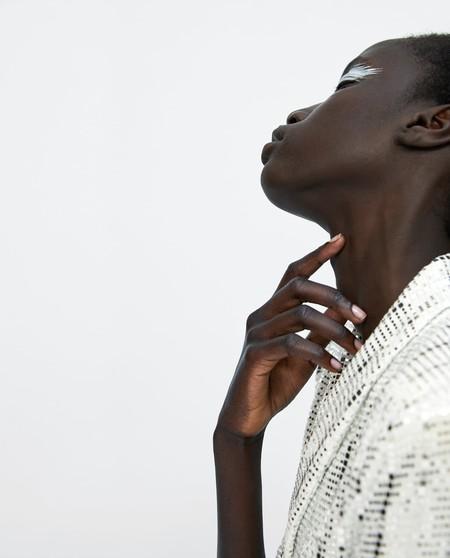 ¿Rojo, plata o azul eléctrico? Estas son las propuestas de maquillaje más atrevidas vistas en el nuevo lookbook de Zara