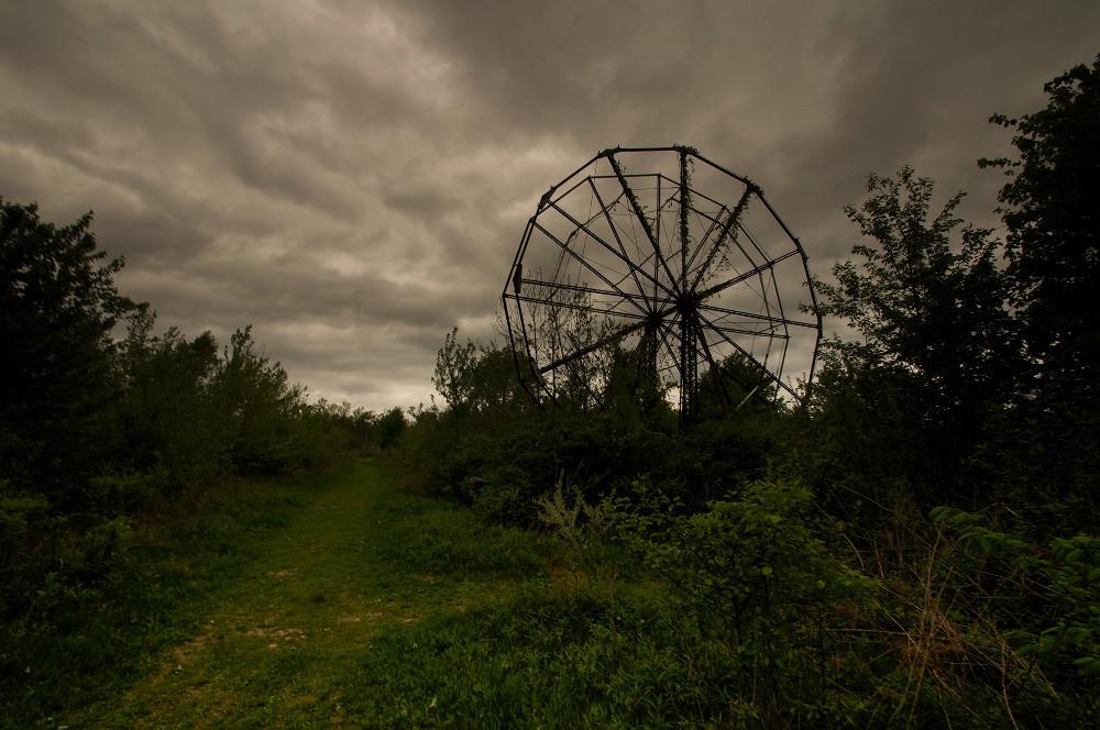 Abandonded Theme Park Seph Lawless 8