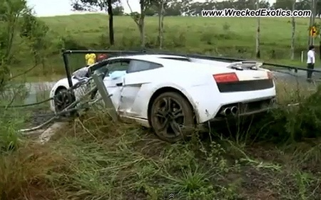 Dolorpasión™: un gallardo novio estampa un Lamborghini Gallardo para celebrar el día de su boda