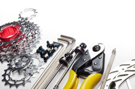 Herramientas básicas que todo ciclista debería llevar consigo