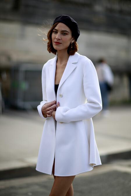 Boinas, capuchas, pañuelos... Las calles de Paris se llenan con un sinfín de complementos perfectos para decorar la cabeza