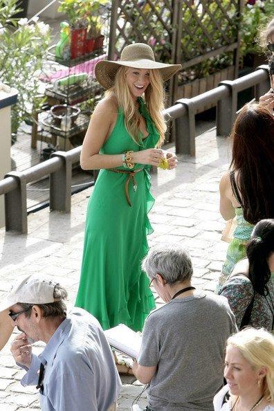 Todos los últimos looks de Blake Lively: una Gossip Girl en París V