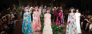 La novia de Rodarte va de azul, es gótica y no es lo único que enamora de su desfile Otoño 2020