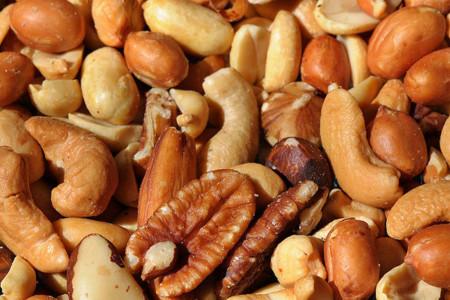 El contenido de vitamina E de diferentes frutos secos