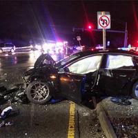 Tesla modificará la pantalla central del Model 3 tras un accidente que provocó heridas en un usuario